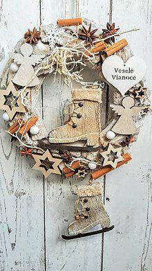 Dekorácie - Vianočný  prírodný veniec - 7344551_