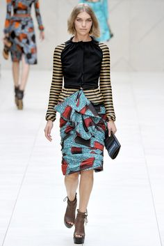 Burberry Spring 2012 Ready-to-Wear Fashion Show - Arizona Muse