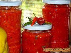 Iutica de ardei cu ceapa | Papamond Recipe Collector, Canning Pickles, Romanian Food, Romanian Recipes, Good Food, Food And Drink, Jar, Ethnic Recipes, Pickling