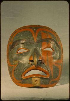 Tsimshian mask, Pacific Northwest Coast, 19th-20th century (n.d.).