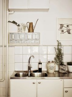 A Swedish apartment in notes of white, cream and beige