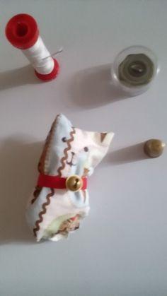 Lavoretto per bambini e per adulti (consiglio;al posto degli occhietti disegnati potete mettere anche due bottoncini) :-)❤
