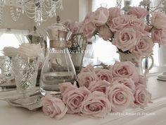 Nostaljik-Romantik-Feminen tarz-zamansız dekorasyon Romantikevim