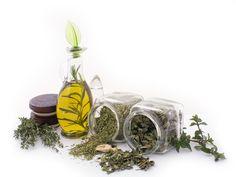 Herbs and essential oils Make Coconut Milk, Coconut Milk Shampoo, Peppermint Patty Candy, Aveda Skin Care, Sugar Scrub Recipe, Cosmetics Ingredients, Shampoo Bar, Organic Beauty, Fragrance Oil