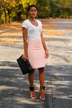 The Daileigh is a fashion blog featuring outfit ideas, fashion trends and personal style. The Daileigh provides inspiration through photos, pictures and street style looks