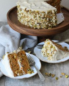 MADE: Pistachio-Macadamia Nut Carrot Cake with Brown Sugar Cream Cheese Frosting from The Little Epicurean Desserts Végétaliens, Beaux Desserts, Delicious Desserts, Baking Recipes, Cake Recipes, Dessert Recipes, Carrot Recipes, Sweet Recipes, Yummy Treats