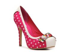 Pink Martini Pump. Now I suppose the only problem is what to wear them with....I love the polka dots