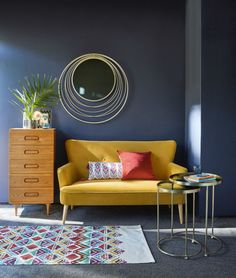 Inspiring Yellow Sofas To Perfect Living Room Color Schemes 23 - DecOMG Living Room Sofa, Living Room Furniture, Living Room Decor, Rustic Furniture, Furniture Design, Black Furniture, Outdoor Furniture, Sofa Furniture, Furniture Plans