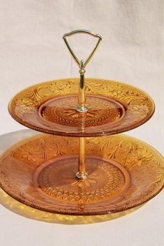 Daisy / sandwich pattern amber glass two tier tiered plate, vintage Tiara Indiana glass