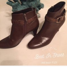 🎉🎉Host Pick 10/29🎉🎉Bandolinos ankle boots Used but very good condition real leather Bandolinos ankle boots.  They pair well with a pair of jeans and the Boho off the should top.  They are a size 6.5. Bandolino Shoes Ankle Boots & Booties