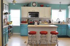 Recoup up to 68% of your kitchen renovation when you make the right remodeling choices.