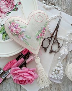 Wonderful Ribbon Embroidery Flowers by Hand Ideas. Enchanting Ribbon Embroidery Flowers by Hand Ideas. Learn Embroidery, Rose Embroidery, Silk Ribbon Embroidery, Hand Embroidery Patterns, Cross Stitch Embroidery, Embroidery Designs, Shabby Chic Hearts, Handmade Gifts For Men, Lavender Bags