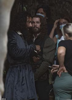 Aidan Turner transforms into Leonardo da Vinci as he gets to work on set of his new historical drama Aidan Turner Poldark, Ross Poldark, Aiden Turner, Eleanor Tomlinson, Out Of Touch, Lisa S, The Hollywood Reporter, Daniel Craig, Artist Life