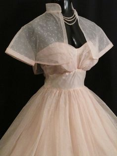 50s Prom Dresses, Vintage Dresses, Vintage Outfits, Vintage Fashion, Wedding Dresses, 1950s Prom Dress, 1950s Fancy Dress, Pretty Dresses, Beautiful Dresses