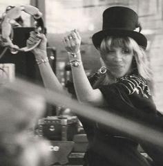 Stevie Nicks, all the best jewelry stacks #monthlymuse #veraxane
