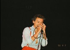 Harry 1d, Harry Styles Photos, Family Show, Treat People With Kindness, Harry Edward Styles, Larry Stylinson, Film Camera, Aesthetic Photo, Pretty Boys