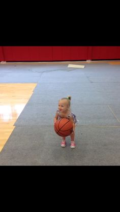 I am extremely disappointed in all of you, these pics of Lux are hardly getting any repins!