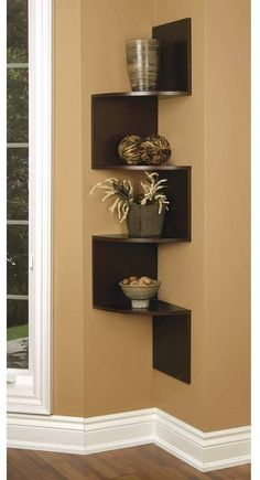 Building some DIY corner shelves might be a great idea for your next weekend project. Corner shelves are a smart solution for your small space. If you want to have shelves but you don't want to be too much on . Corner Shelf Design, Diy Corner Shelf, Corner Wall Shelves, Wood Wall Shelf, Wall Shelves Design, Glass Shelves, Corner Bookshelves, Floating Corner Shelves, Home Decor Shelves