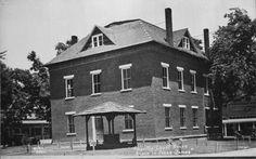 Pineville Courthouse - Missouri