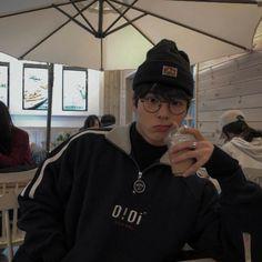 Comment your favorite food in emojis 💕 boy 💫 Korean Boys Hot, Korean Boys Ulzzang, Ulzzang Couple, Ulzzang Boy, Korean Men, Korean Girl, Cute Asian Guys, Asian Boys, Asian Men