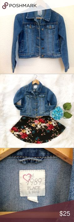 🌺CHILDREN'S PLACE GIRLS  DENIM JACKET  (L10-12) 🌺Children's Place brand 🌺Denim with natural factory fading on the jacket 🌺With 4 Pockets 🌺Stylish, cute in good condition, except one of the pockets has stain inside... 🌺Preloved The Children's Place Jackets & Coats Jean Jackets