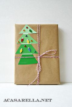 7 Cheap and Easy Holiday Gift Wrap Ideas #DIY #Holiday