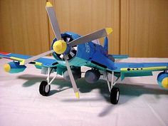 Japanese Fighter Aircraft Paper Model - by T34 - via Pepakura Gallery  ==          A beautiful Japanese Fighter Aircraft, created by designer t34 and originally posted at Pepakura Gallery. To view and download this model you will need Pepakura Viewer Free Version (link at the end of this post).