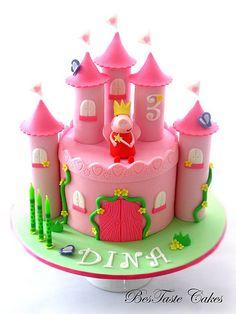 Peppa pig castle cake