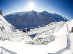 Engineers have spent the past five months building the Titlis Cliff Walk, Europe's highest suspension bridge at above sea level on Mount Titlis in the Swiss Alps. Mount Titlis, Scary Bridges, Cable Stayed Bridge, Unique Hotels, Suspension Bridge, Natural Scenery, Swiss Alps, Day Tours, Places To Visit