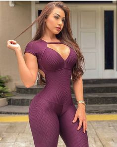 Thiccness has tremendous sexy curves, cool girl, curvy, bodysuit, exercises Mädchen In Leggings, Jean Sexy, Sexy Women, Tumbrl Girls, Curvy Women Fashion, Sexy Curves, Girl Model, Sexy Outfits, Curvy Women