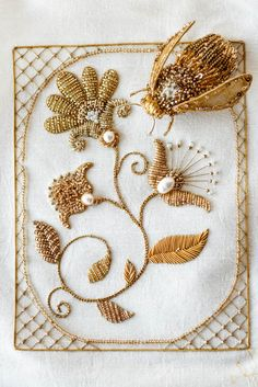 Gold embroidered brooch Eve Anders  Goldwork embroidery