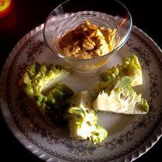 Hummus e cavolo romanesco