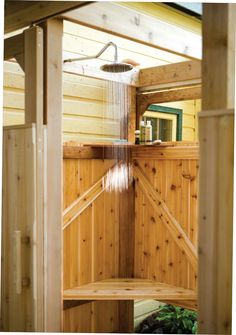 Free plans for an outdoor shower! This one's a little fancier than some of the other ones I've coveted! :)