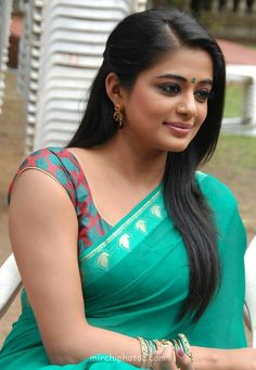 Priyamani Height, Weight, Age, Affairs, Husband & Facts