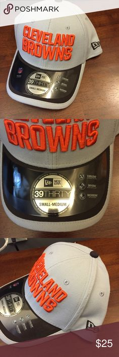 🆕 New Era Cleveland Browns 39Thirty Hat NWT S/M Brand new with tags! Thank you for looking! NFL Football // cooling, moisture wicking, anti microbial // fits small to medium New Era Accessories Hats