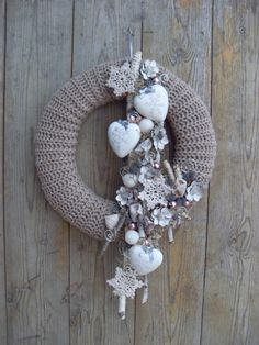 Hobbies Unlimited Portland Or Info: 9940148249 Christmas Mood, Christmas Wreaths, Christmas Crafts, Christmas Centerpieces, Christmas Decorations, Mery Crismas, Hobbies And Crafts, Diy And Crafts, Crochet Wreath