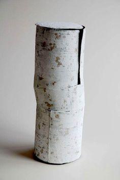 YOSHIMURA Toshiharu. Light Comes to the Heart  2007  unglazed mixed clays, alumina  10″ x 10″ x 25″