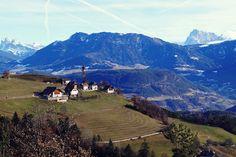 Piramidy ziemne w Longomoso i symbol Południowego Tyrolu Italy, Mountains, Nature, Travel, Earth, Italia, Naturaleza, Viajes, Destinations
