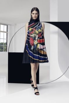 Mary Katrantzou Resort 2016, this designer likes to work with colours, and i love it