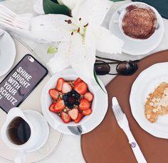 Bonjour com café da manhã no meu cliente do coração @mariaantonietacampinas  Obrigada @chefmateusmatana por sempre nos receber tão bem! Quem é de fora tb ama né @blogcaroladuarte @paulospadoto @itbloggersoficial #lebonmoment #sonamariaantonieta #clientestgb #mariaantonieta