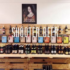 Con este calorazo ¿a que apetece una cerveza bien fría? #irdepropio a Shooter Beer y no saber cual elegir de entre 350 cervezas artesanas. Menos mal que Carmen y Juan te asesoran muy bien ¡salud!  • Plaza San Pedro Nolasco, 2• #irdepropiobeershooter