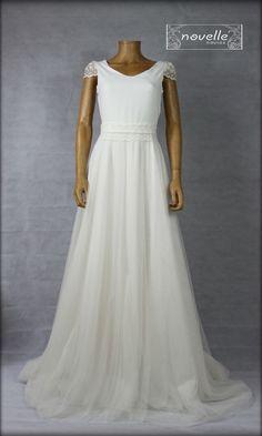 Colección NOVELLE novia 2019: One Shoulder Wedding Dress, Wedding Dresses, Fashion, Unique Dresses, Bridal Gowns, Boyfriends, Bride Dresses, Moda, Fashion Styles