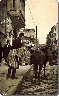 Kapıya teslim taze ekmek (1920ler) #birzamanlar #istanlook #nostalji