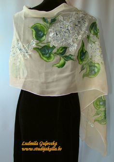 Hand Painted Dress, Painted Clothes, Painted Silk, Dress Painting, Fabric Painting, Paint Fabric, Silk Art, Silk Shawl, Clothes Crafts