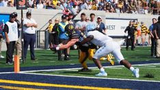 The Cal Bears held a players-only meeting on the eve of their game against Oregon State.