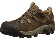 Hiking shoes are often cheap or hard to find when looking for waterproof, airy or simply walking shoes. Here are the top 10 best hiking boots for men! Hiking Pants, Hiking Gear, Men Hiking, Snow Boots, Winter Boots, Best Hiking Boots, Hiking Shoes For Men, Waterproof Hiking Boots, Boots Online