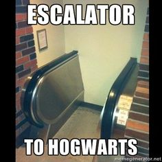 Escalators at Hogwarts memes can't stop laughing so true humor so funny Escalator FAIL Harry Potter Jokes, Harry Potter Fandom, Harry Potter World, Memes Humor, Funny Memes, Funny Ads, Fun Funny, Super Funny, Funny Videos