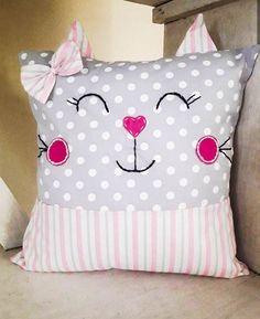 Funny Throw Pillows, Baby Pillows, Kids Pillows, Sewing Projects For Kids, Sewing For Kids, Baby Sewing, Fabric Toys, Fabric Crafts, Sewing Crafts