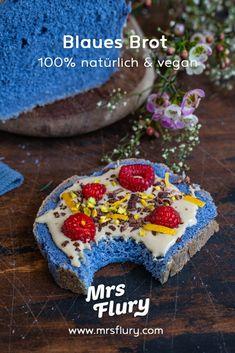 Blaues Brot backen - natürlich gefärbt - vegan - Mrs Flury Tasty Video, Vegan Dinners, Healthy Cooking, Avocado Toast, Cereal, Baking, Breakfast, Cake, Sweet