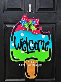 Popsicle door hanger Summer Door Hanger Spring by MJCreativeDesign Owl Door Hangers, Wooden Door Hangers, Balloon Door, Monster Wreath, Wood Crafts, Diy Crafts, Snowman Door, Pumpkin Door Hanger, Mason Jar Flowers
